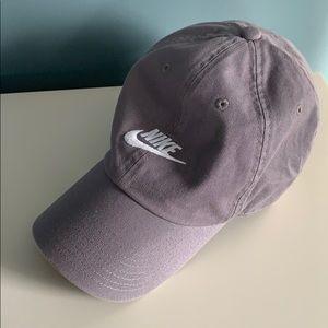 Nike Woman's Hat